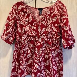 BANANA REPUBLIC Large Pullover Red Cream Blouse